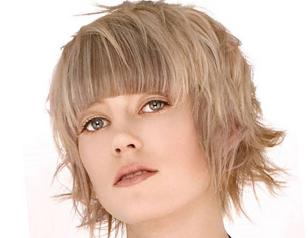 Рваные стрижки на среднюю длину волос