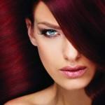 яркие волосы и губы