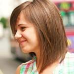 обладательница прямых волос