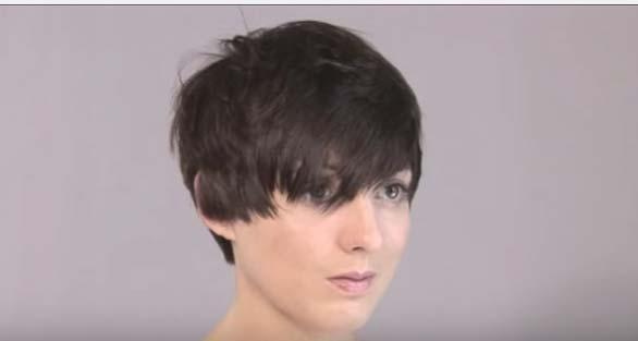 Стрижка шапочка на короткие волосы с челкой