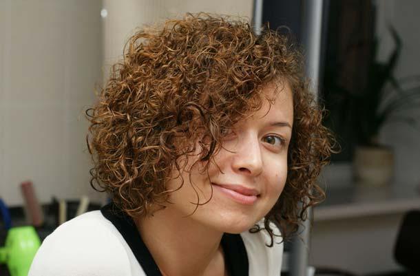 Легкая завивка на короткие волосы