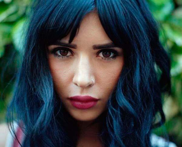 Цвет волос черно-синий